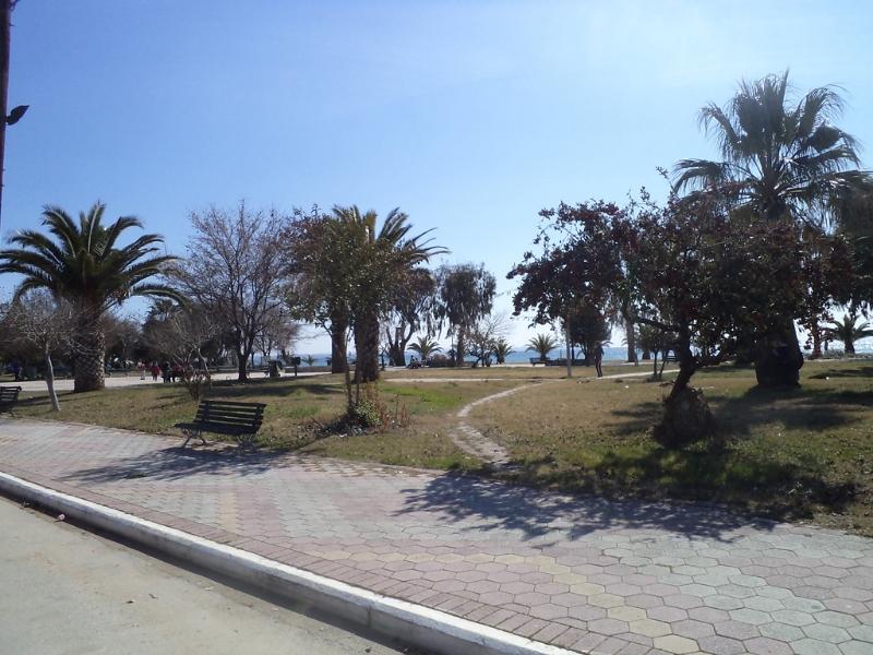 Paralia Dionisiou Park
