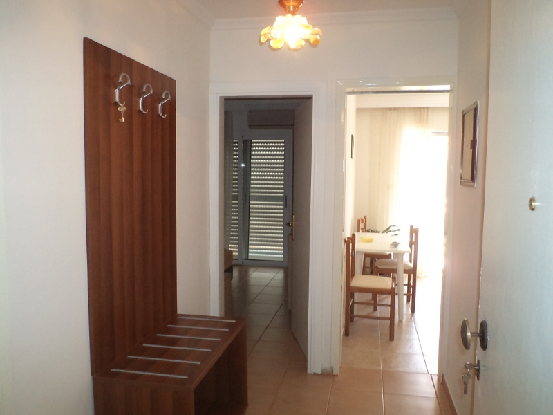 Paralia Dionisiou, rooms inside