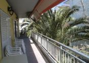 Paralia Dionisiou, balkony